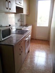 Piso de 2 dormitorios mas salon cocina equipada