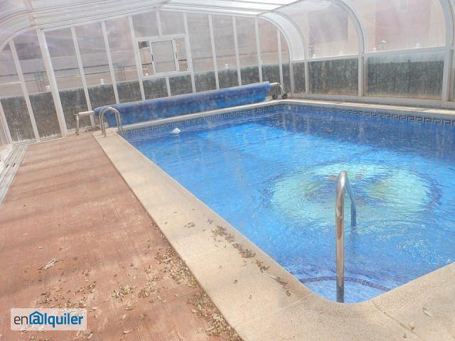 Piso de lujo altabix travalon con piscina 2 plazas garaje for Oficina prop elche
