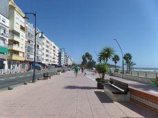 Vivienda situada en 1 linea de playa. Avd. Espa�a. C. Real