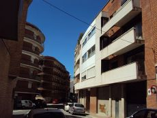 Manresa. Carrer Tarragona. Pis de 2 hab. Asc. Calef. Pk