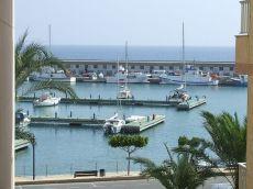 Apartamento nuevo en primera l�nea Puerto de Roquetas