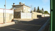 Chalet en zona de Santa F�, a 8 km de Zaragoza