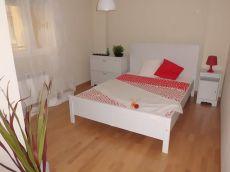 Piso con terraza de 1 dormitorio ,con plaza de garaje
