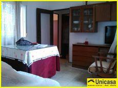 Piso amueblado y reformado de 2 dormitorios en Oller�as