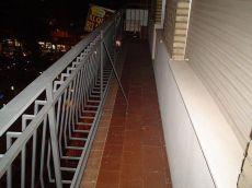 Piso de 100m2 �tiles totalmente reformado y amueblado
