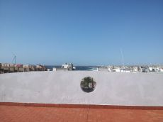 Vista al mar y a 5 min a pi� de la playa