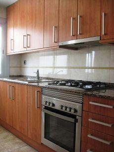 Piso de 50 metros, 3 habitaciones, ba�o y cocina reformados