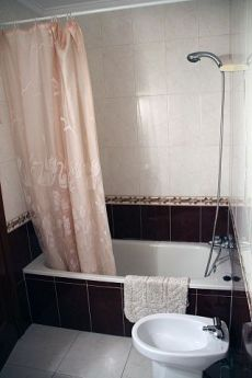 Piso cerca de Mir, de 2 dormitorios, Oviedo