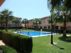 Preciosa casa en urb con piscina comunitaria