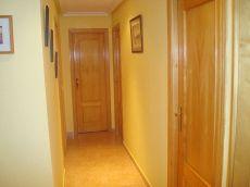 Piso dos dormitorios zona nuevo valdepe�as