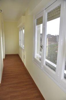 Reformado, exterior. 5 dormitorios sin muebles