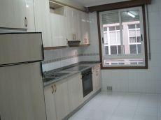 Amplio piso Couto sin muebles