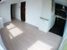 Segundo piso en Sitges de una habitaci�n con piscina