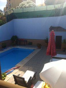 Estupendo chalet con piscina en Matalasca�as