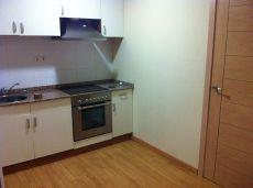 Alquilo apartamento bajos de 1 habitacion centro rubi
