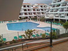 Se alquila piso amueblado, terraza, piscina, gastos incluido