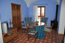 Casa r�stica con patio, terraza y buhardilla