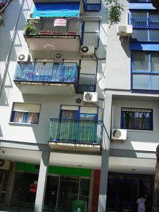 Sevilla Este, piso de 2 dormitorios, garaje, piscina