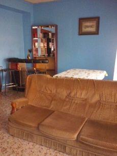 Se alquila piso centrcio en Almansa por 250 euros