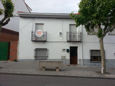 Casa baja con patio, 3 habit. , 2 ba�os