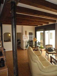 Casa r�stica con jard�n, en Alfocea, a 14 km de Zaragoza