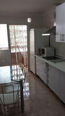 Gran piso de 4 dormitorios completamente amueblado
