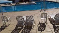 Se alquila piso de 1 hab. , terraza, piscina, parking.