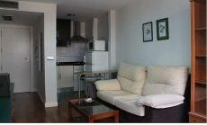 Bonito apartamento muebles acogedores