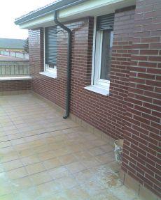 �tico nuevo con amplia terraza