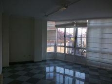 Alquiler piso sin amueblar, centrico con plaza de garaje