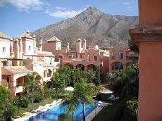 Sin amueblar Piso de lujo en Marbella precio increible