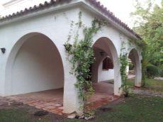 Casa Chalet independiente en urbanizaci�n Los Monasterios.