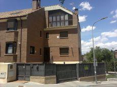 Chalet pareado de 300m, 4 dormitorios, 3 salones, garaje,