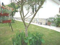 Impresionante chalet independiente con terraza y jardin