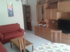 Piso de 3 dormitorios en Zona Pedrera