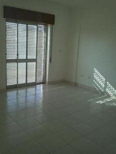 Alquilo piso agradable,piso soleado