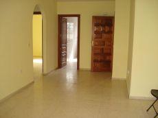 Estupendo piso de 2 habitaciones 300 Euros av Canarias