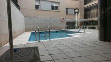 Sin Muebles. Planta baja con piscina y parking
