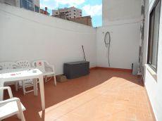 Enorme piso con terraza y plaza de garaje en el centro