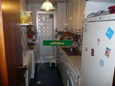 Piso de 2 habitaciones, 2 ba�os, garaje, 2 aramrios empotrad