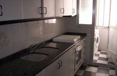 Piso amueblado de 3 dormitorios con electrodom�sticos
