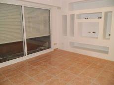 Piso de 2 habitaciones, sin muebles. Zona c. Sant Pau.
