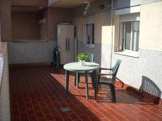 Piso en perfecto estado, bien comunicado con gran terraza