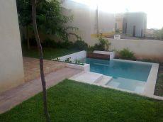 Planta baja con piscina privada.