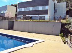 Chalet adosado con piscina comunitaria