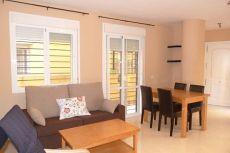 Particular, piso de 2 dormitorios con 2 patios grandes