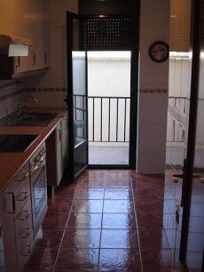 Brunete 3 dormitorios y 2 ba�os. Piso bajo con patio