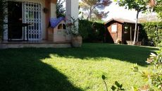 Casa adosada 2 habs con jardin privado
