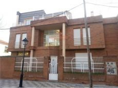 Alquiler casa luminosa terraza 1. 750 � ensanche