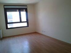 1 mes gratis piso con garaje y trastero zona Hospital